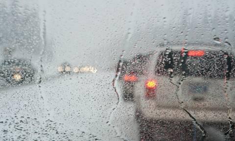 Καιρός: Συνεχίζονται οι βροχές και οι καταιγίδες - Πότε εξασθενούν τα φαινόμενα