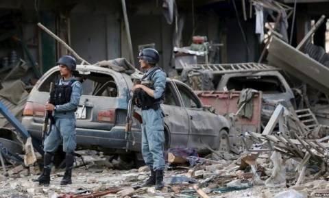 Αυτοκινητοπομπή του ΝΑΤΟ ήταν ο στόχος επίθεσης αυτοκτονίας στην Καμπούλ