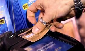 Υποχρεωτικά με πλαστικό χρήμα οι συναλλαγές στις νέες επιχειρήσεις