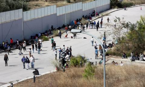 Είδη πρώτης ανάγκης θα παραδώσει το ΠΑΜΕ σε πρόσφυγες και μετανάστες