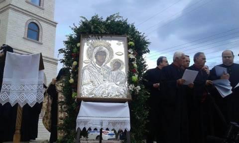 Πτολεμαΐδα: Η εικόνα της Παναγίας Εσφαγμένης από τη Μονή Βατοπαιδίου (pics+video)