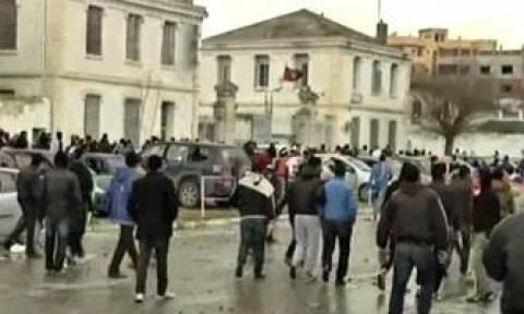 Τυνησία: Υπέκυψε στα τραύματά του νεαρός που αυτοπυρπολήθηκε