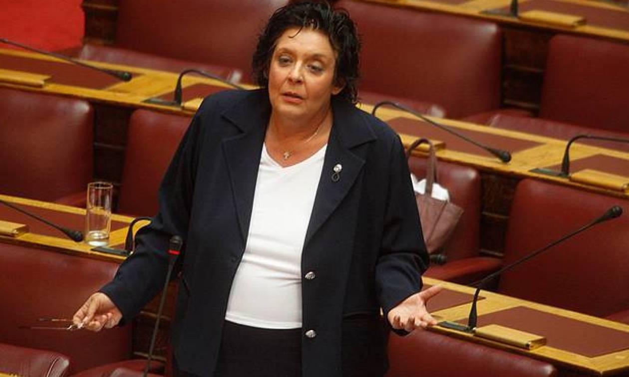 Λ. Κανέλλη: «Ναι» στην περικοπή της βουλευτικής αποζημίωσης