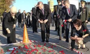 Τουρκία: Αποπέμφθηκαν αξιωματούχοι της αστυνομίας - Στεφάνι κατέθεσε ο Ερντογάν