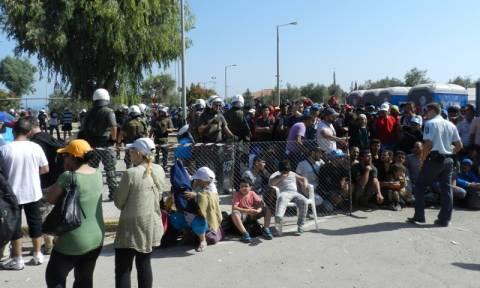 Στους πρόσφυγες της Μυτιλήνης σήμερα Σουλτς - Αβραμόπουλος
