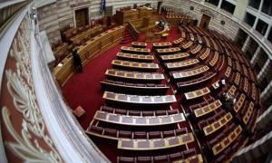 Δείτε LIVE τη συζήτηση του νομοσχεδίου με τα προαπαιτούμενα στη Βουλή