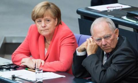 Οι Γερμανοί θέλουν να μας βοηθήσουν (ξανά) αρκεί να κρατήσουμε πρόσφυγες...