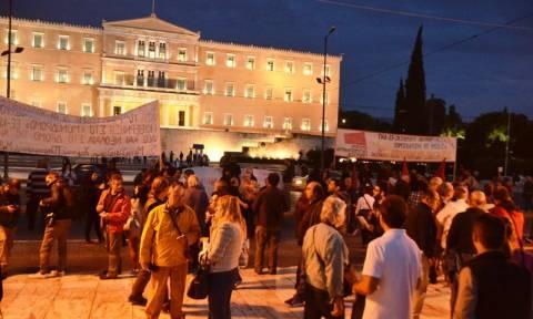 Ηχηρό «όχι» των Ελλήνων στα νέα μέτρα αφαίμαξης του πολυνομοσχεδίου (pics&vids)