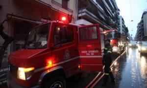 Θεσσαλονίκη: Απεγκλωβίστηκαν άτομα από φωτιά σε διαμέρισμα