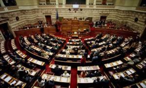 Парламент Греции утвердил новый законопроект в обмен на помощь кредиторов