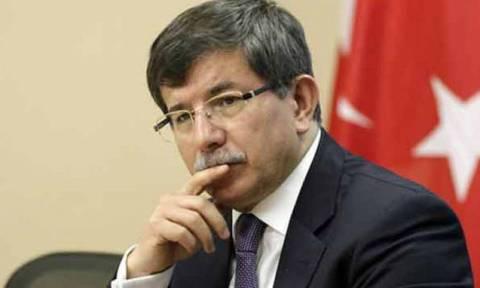 Νταβούτογλου: Όποιο αεροσκάφος παραβιάσει τον τουρκικό εναέριο χώρο θα καταρριφθεί