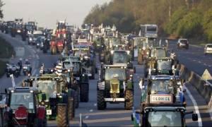 «Ζεσταίνουν» τις μηχανές των τρακτέρ οι αγρότες και οι κτηνοτρόφοι της Θεσσαλονίκης