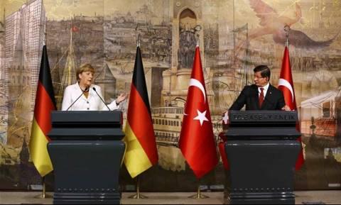 Η Μέρκελ έταξε στην Τουρκία ταχύτερη ένταξη στην Ε.Ε.