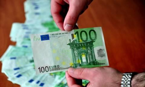 Χαράτσι 100 ευρώ το μήνα σε όλους τους ελεύθερους επαγγελματίες
