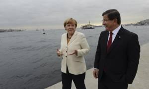 Η Τουρκία το «χοντραίνει» - Θέλουμε κι άλλα χρήματα λέει ο Νταβούτογλου