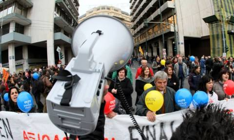 Προς γενική πανελλαδική απεργία στις 12/11 προσανατολίζεται η ΓΣΕΕ