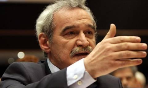 Παρέμβαση Χουντή στη διαμάχη ΔΝΤ-Κομισιόν για τη βιωσιμότητα του ελληνικού χρέους