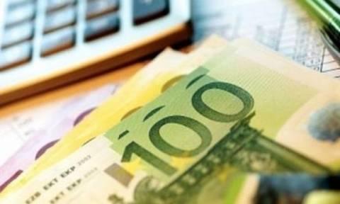 Επιβολή 100 ευρώ στους ελεύθερους επαγγελματίες: Είπα – ξείπα από την κυβέρνηση