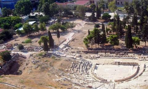 Τραγωδία στην Ακρόπολη: 61χρονος βούτηξε στο κενό