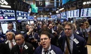 Μικρές απώλειες κατέγραψε η Wall Street