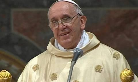 Βατικανό: Διαψεύδει ότι ο Πάπας έχει όγκο στον εγκέφαλο