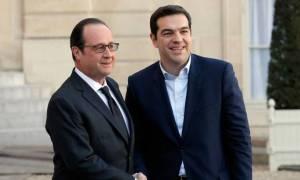 Τσίπρας και Ολάντ υπογράφουν την Ελληνογαλλική Διακήρυξη για τις σχέσεις των δύο χωρών