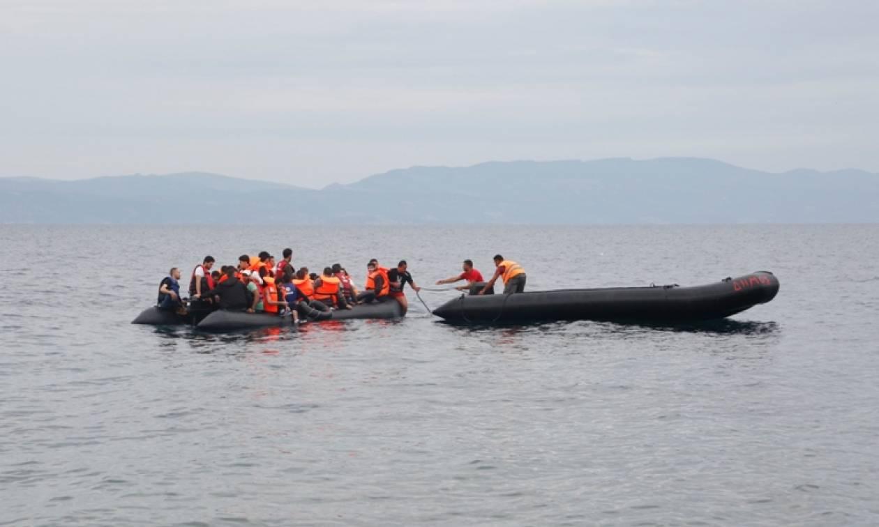Νέες διασώσεις μεταναστών στο Αιγαίο – Έφθασαν με θαλαμηγό