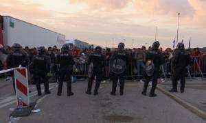 Ασφυκτική η κατάσταση στη Σλοβενία με χιλιάδες πρόσφυγες εγκλωβισμένους