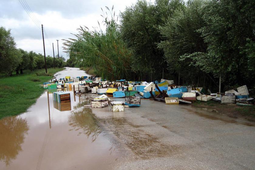 Νεκρός άνδρας στο Μενίδι από την κακοκαιρία - Μεγάλα προβλήματα σεΑττική και Ηλεία (photos - videos)