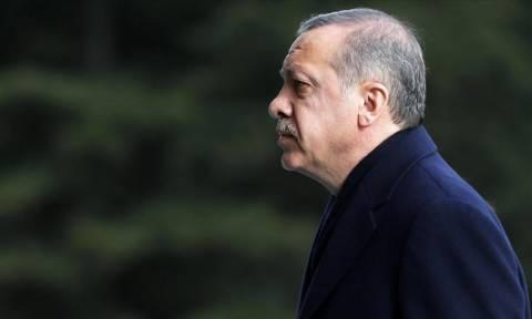 Ελεύθερος έπειτα από πολλές ώρες κράτησης ο 14χρονος που «εξύβρισε» τον Ερντογάν