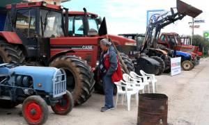 Ημαθία: Παραμένουν στο μπλόκο της Κουλούρας οι αγρότες
