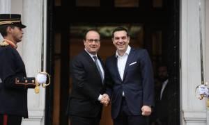 Ολάντ: Ξέρω τι υπέστη ο ελληνικός λαός, η Γαλλία θα συνεχίσει να σας στηρίζει