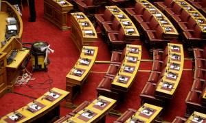 Επιχείρηση… «σκούπα» στη Βουλή πριν την ομιλία Ολάντ (photos)