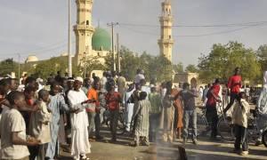 Νιγηρία: Τουλάχιστον 10 νεκροί από επίθεση αυτοκτονίας σε τέμενος