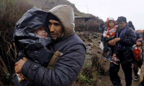 Λέσβος: Περισσότεροι από 5.000 μετανάστες αφίχθησαν σε ένα 24ωρο παρά την κακοκαιρία