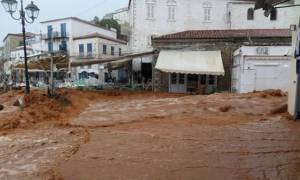 Σε κατάσταση εκτάκτου ανάγκης η Ύδρα μετά τη θεομηνία (photos - video)
