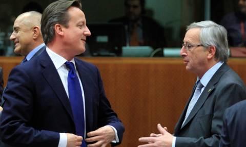 Ο Γιουνκέρ συμβουλεύει τους Βρετανούς: Θα είστε καλύτερα εντός της Ε.Ε.