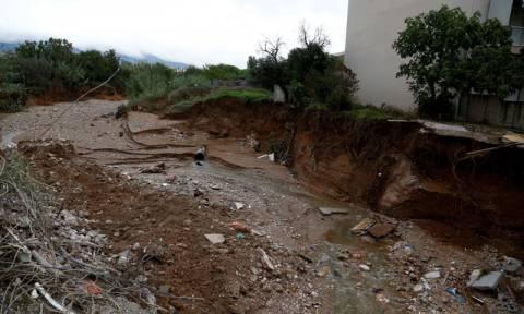 Τρίτος νεκρός από την κακοκαιρία - Βρέθηκε πτώμα άνδρα στο ρέμα της Χελιδονούς