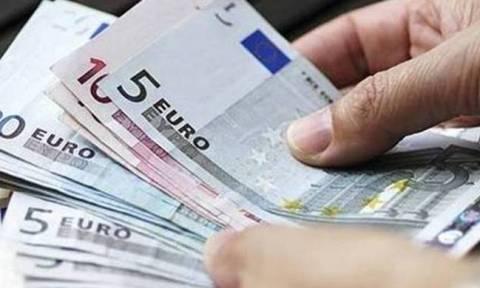 Αλαλούμ με τα οικογενειακά επιδόματα και τις κάρτες σίτισης