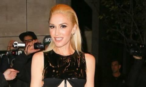 H Gwen Stefani «κατέστρεψε» το outfit της με μία και μόνο στιλιστική της επιλογή!