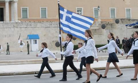 28η Οκτωβρίου: Η μαθητική παρέλαση της Αθήνας μέσα από εικόνες