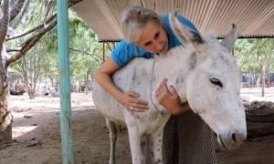 Γιατί υπάρχουν «άνθρωποι» και άνθρωποι - Η ιστορία του Λανς του γαϊδάρου (video)
