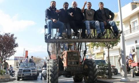 Στην Αθήνα φτάνουν σήμερα -αγριεμένοι- οι αγρότες της Κρήτης
