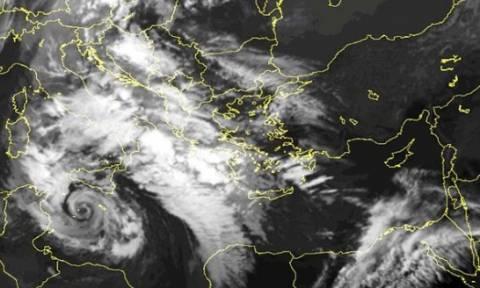Τροπικοί κυκλώνες «χτυπούν» την Ελλάδα – Πόσο μας επηρεάζει το Ελ Νίνιο