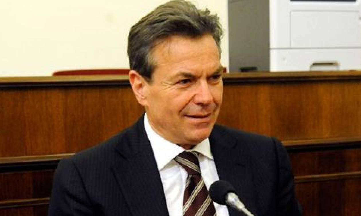 Διαβεβαιώσεις Πετρόπουλου ότι μέχρι τέλη Οκτωβρίου θα καταβληθούν τα οικογενειακά επιδόματα