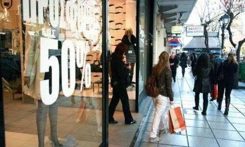 Μείωση πωλήσεων για επτά στις 10 επιχειρήσεις από τα capital controls