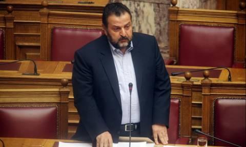 Βουλή: Άγριος καυγάς Πετρόπουλου – Κεγκέρογλου για το Ασφαλιστικό