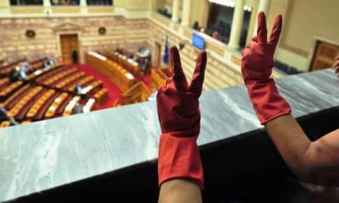 Καθαρίστριες του ΥΠΟΙΚ τοποθετούνται γραμματείς στα Δικαστήρια