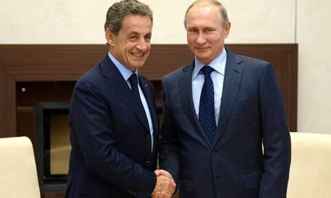 """Путин на встрече в Москве обратился к Саркози на """"ты"""", заметили журналисты"""