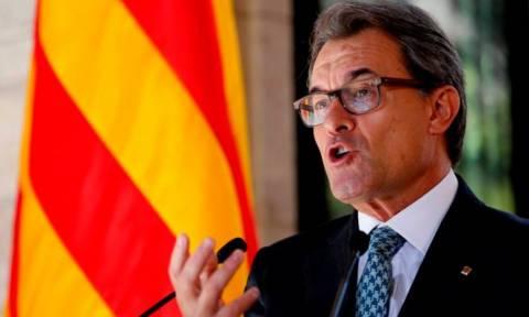 Κατά του σχεδίου για ανεξαρτησία η πλειοψηφία των Καταλανών